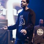424px-Drake_at_Bun-B_Concert_2011_(1)